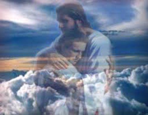 Cristo te chama e te abraça